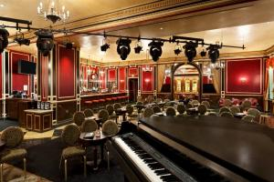 NAPOLEONS DUELING PIANOS
